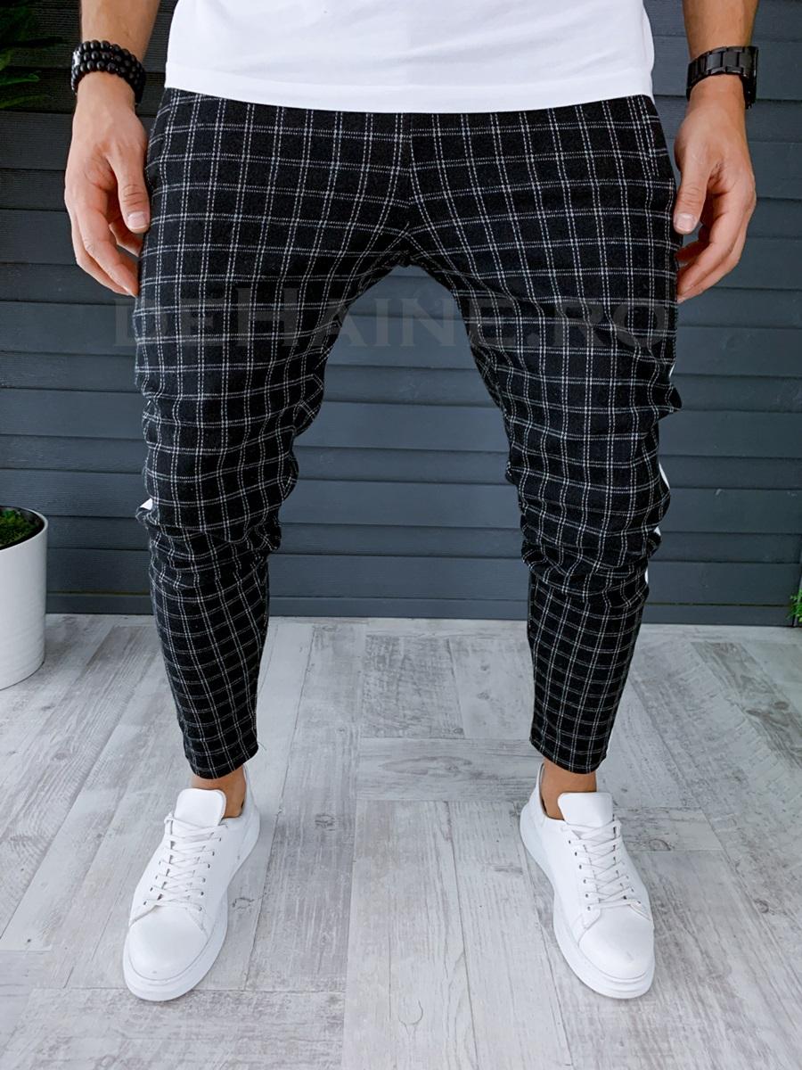 Pantaloni de trening negri in carouri conici A8566 83-1