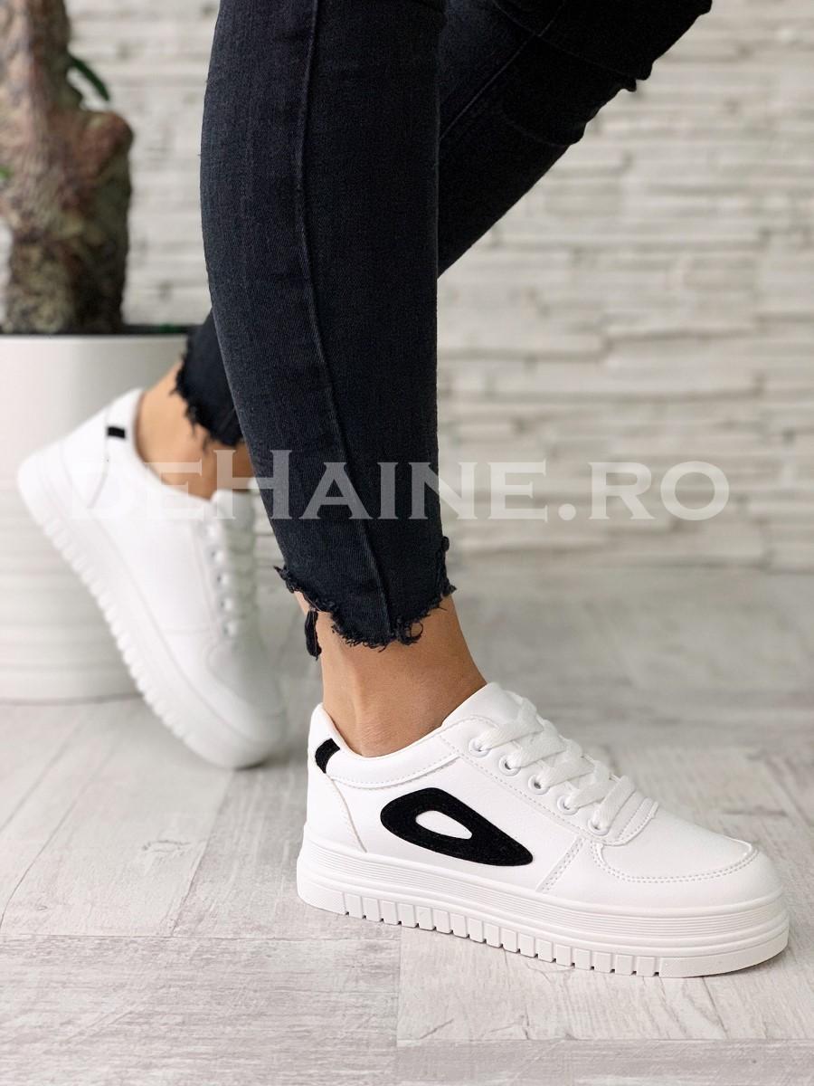 Adidasi dama albi ZR A5519