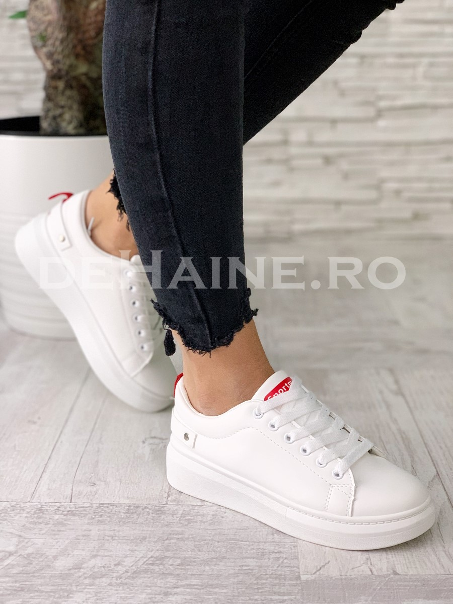 Adidasi dama albi ZR A5523