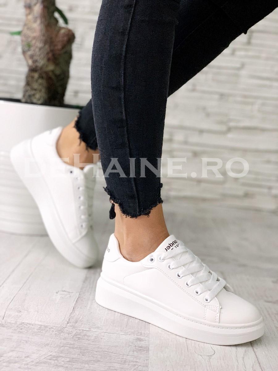 Adidasi dama albi ZR A5525